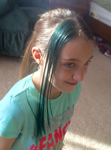 CHloe blue hair
